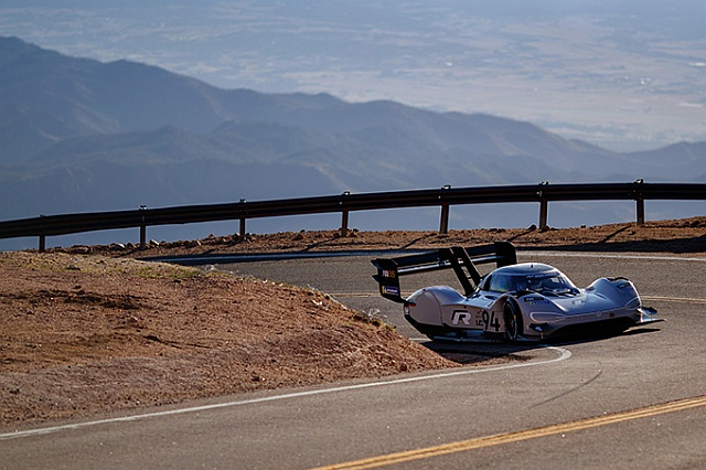 DB2018AU00550 smallI.DR-PikesPeak 640